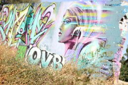 Graffiti woman France 2017